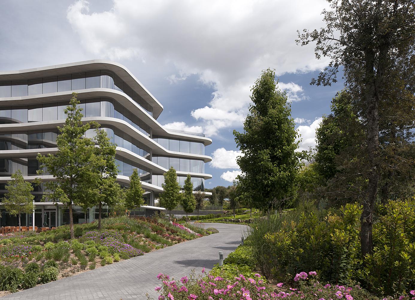 TdB Arquitectura Laboratorios y Oficinas Grifols